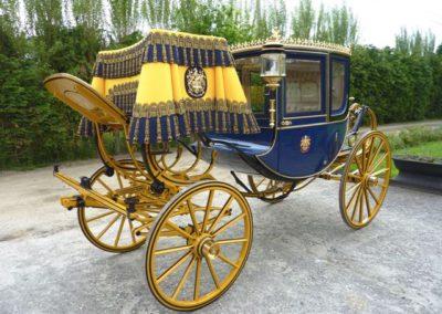 Dress Chariot