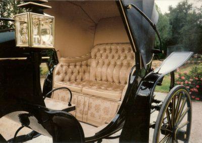 Victoria: silk upholstery