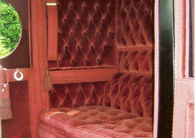 Booby hut: silk/silk velvet interior