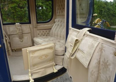 Dress Chariot: silk rips upholstery
