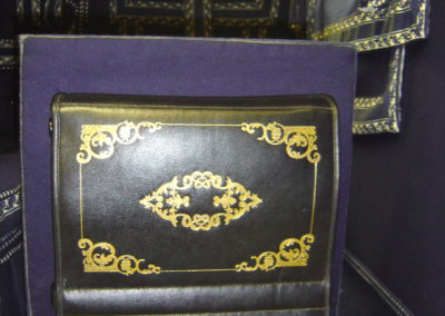 Folding step with gold embossed Moroccan leather